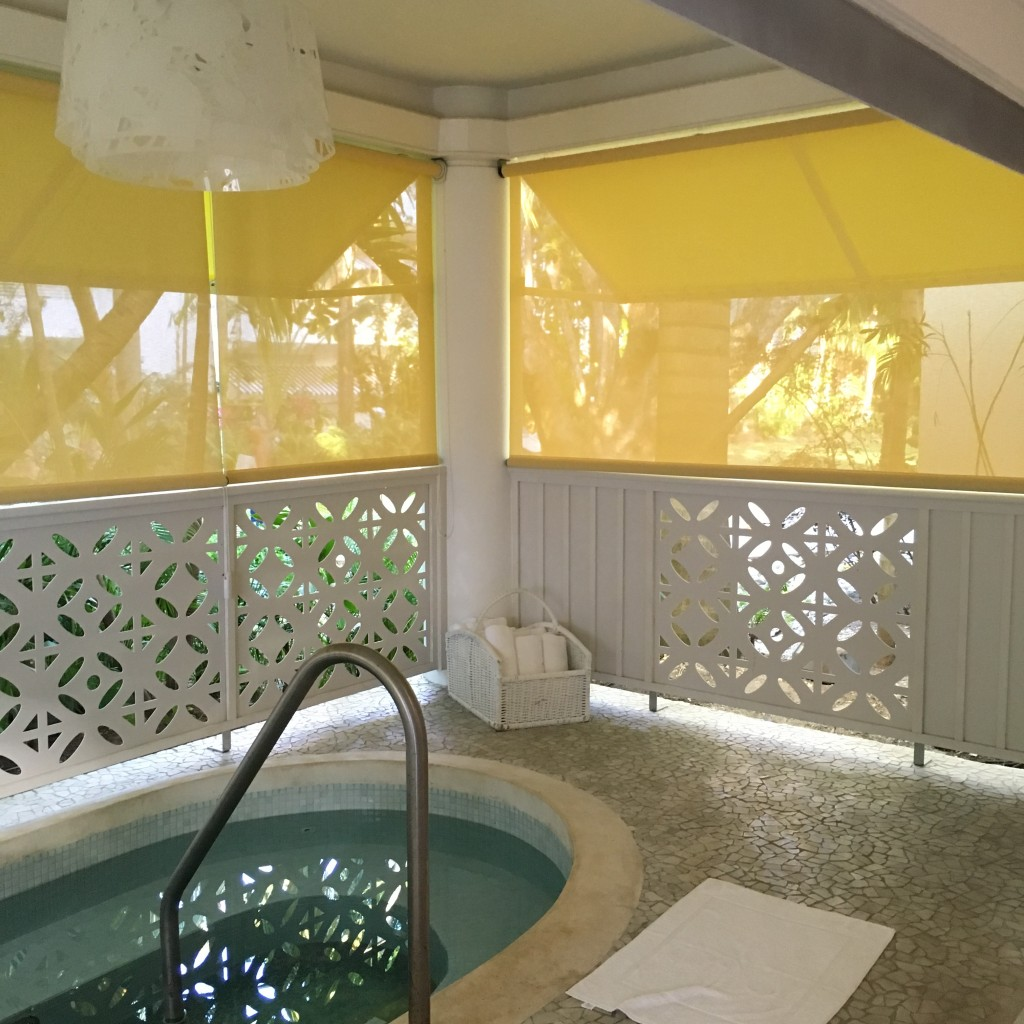 couples tower isle spa jacuzzi