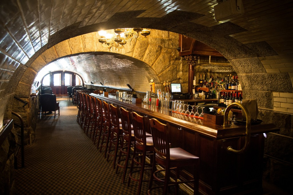 tunnel bar northampton western massachusetts